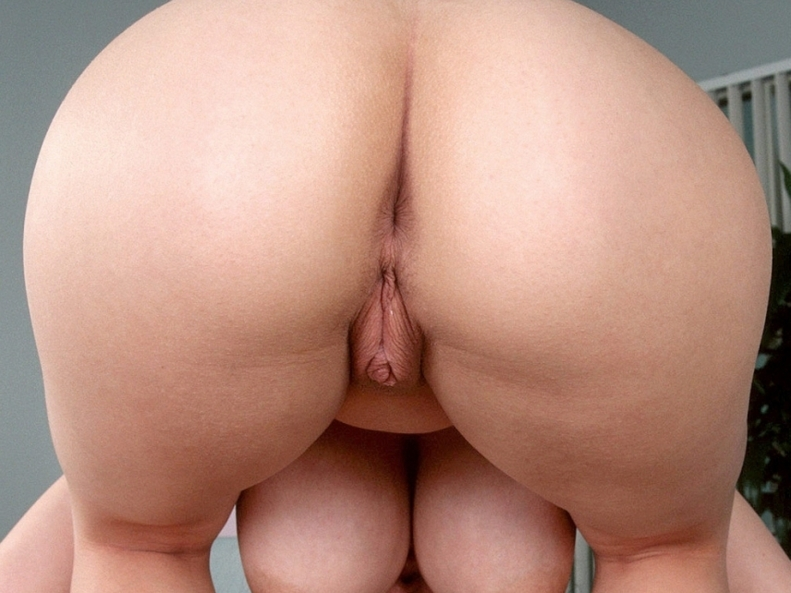 nude womans ass