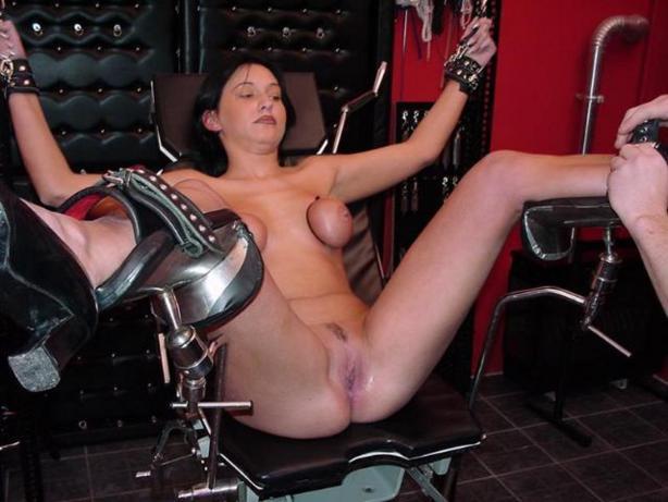 women in bondage video