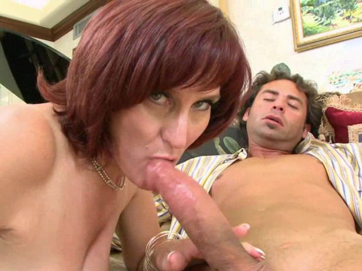 Mature Handjob Two Pages Of Horny Mom In Action Killer Bodied Milf
