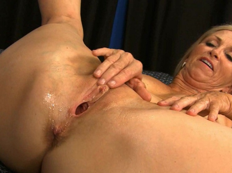Mature Naked Women porn movie clips of a blonde mature woman enjoying hard ...