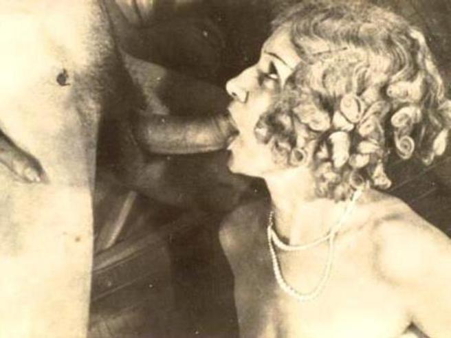Lesbian vintage Retro porn Vintage sex pic Erotica forum vintage Mature ...