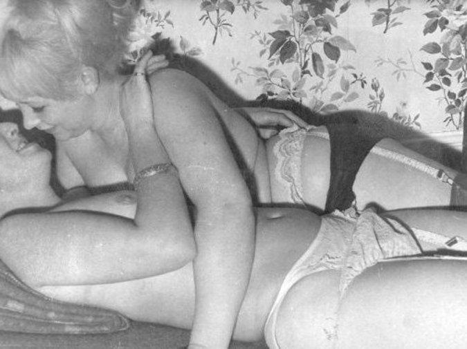 nude ebony granny