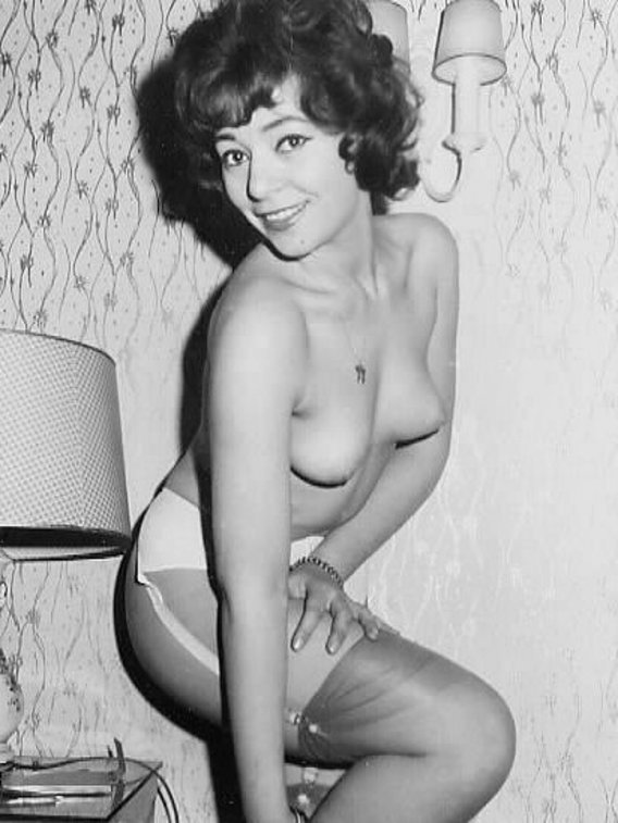 pic retro woman Nudist